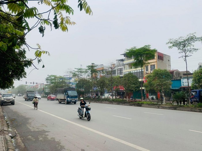 Bán nhà mặt phố Ngô Gia Tự 85m 2 tầng 4.8 MT Long Biên ô tô tải tránh nhau hai làn xe