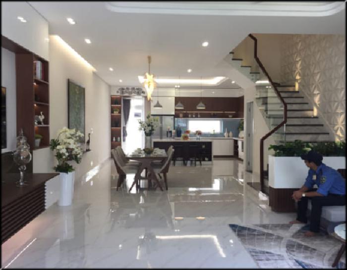 Bán nhà phân lô Cán bộ phường Quốc Tử Giám, 4 phòng ngủ