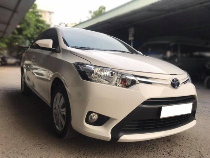 Cần bán xe Vios 2017 đăng ký 2018 bản E, số tự động, màu trắng 1