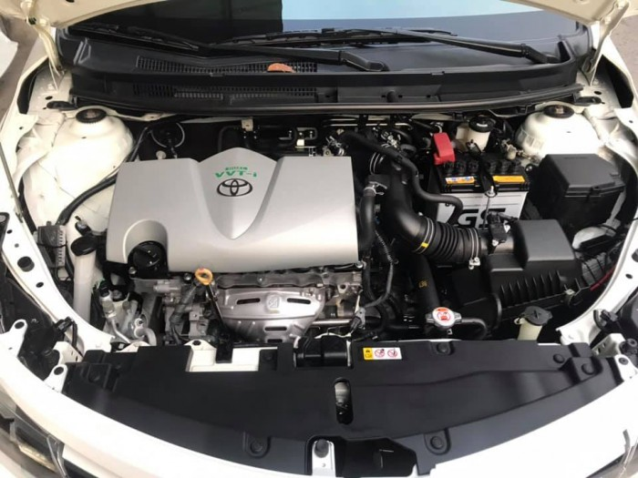 Cần bán xe Vios 2017 đăng ký 2018 bản E, số tự động, màu trắng 4