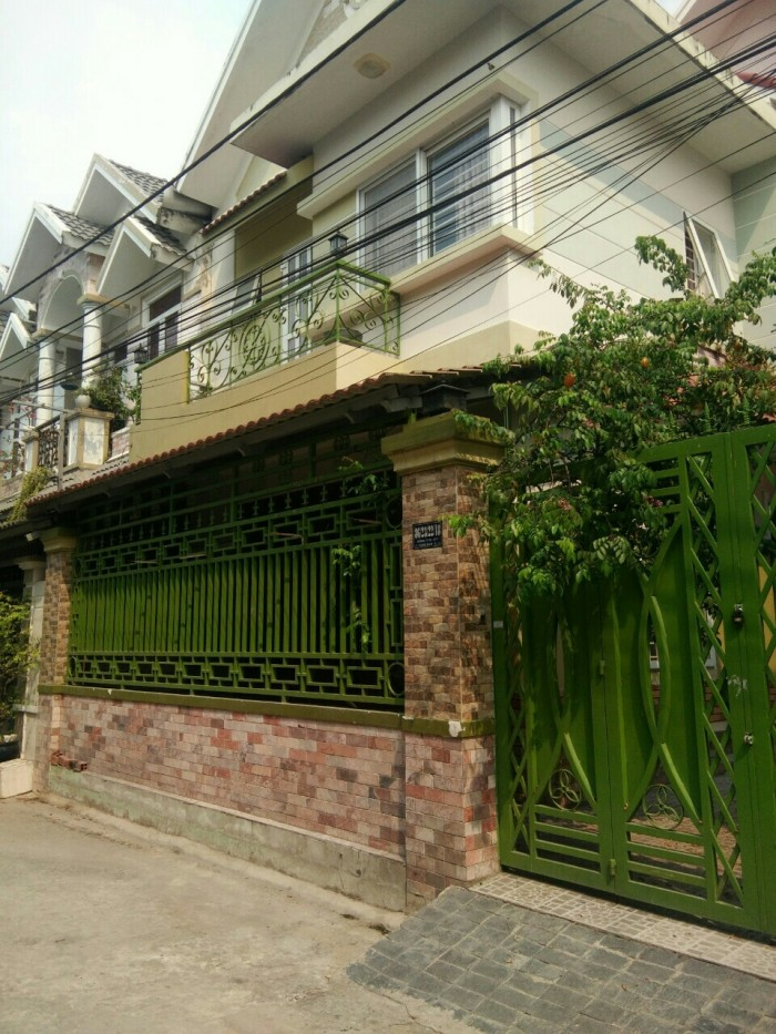 Biệt thự gần CĐ Điện Lực giá rẻ như nhà Phố