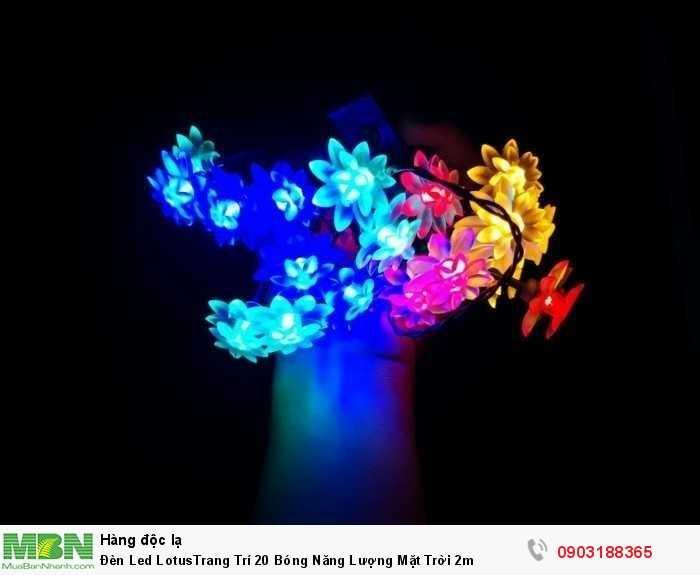 Thời gian sạc đầy pin 6 tiếng ánh sáng chiếu. Thời gian chiếu sáng của bóng led lên tới 8-10\ giờ khi được sạc pin đầy. Tuổi thọ bóng led cao lên tới 100.000 giờ chiếu sáng.2