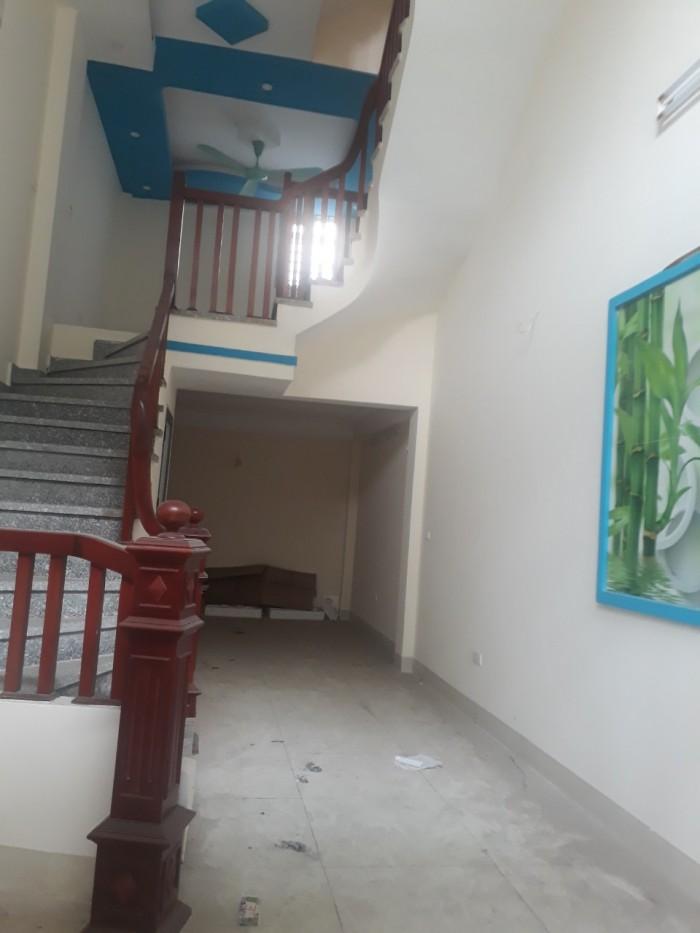 Bán nhà Tựu Liệt, Bằng B, 38m2, 4,5 tầng, 2 mặt thoáng, ô tô đỗ 15m