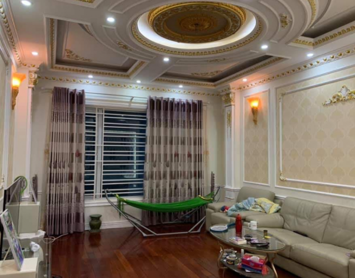 Bán nhà riêng phố Thái Hà 70m2, 5 tầng, gần mặt phố.