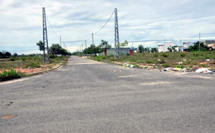 Bán 302m2 đất full thổ cư (ngang 15m) ngay đường Đoàn Nguyễn Tuấn, Bình Chánh.