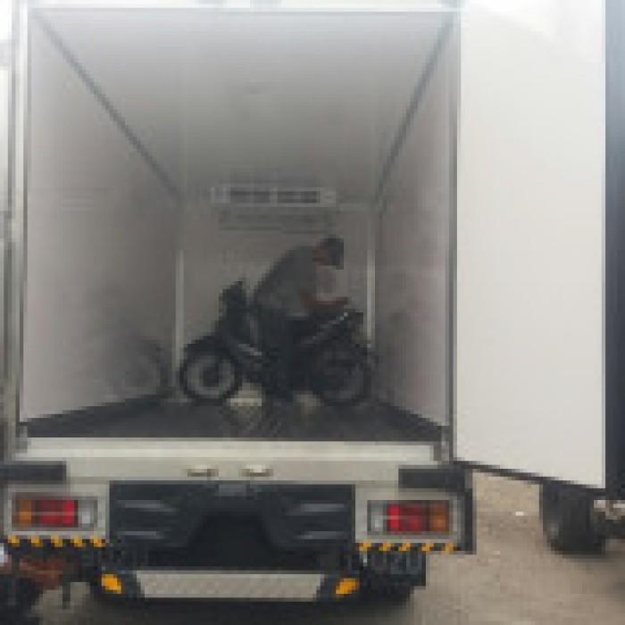 Xe tải đông lạnh isuzu 1,9 tấn thùng dài 4m3 trả trước 20%