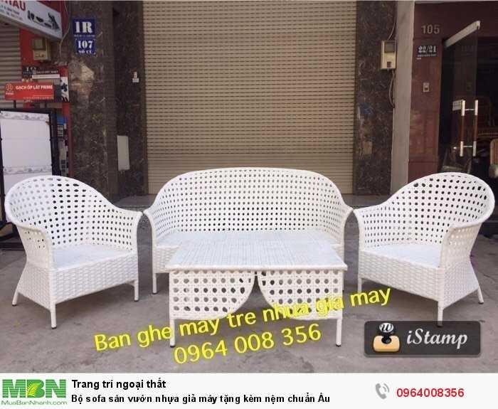 Bộ sofa sân vườn nhựa giả mây tặng kèm nệm chuẩn Âu0