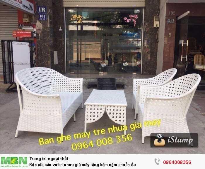 Bộ sofa sân vườn nhựa giả mây tặng kèm nệm chuẩn Âu1