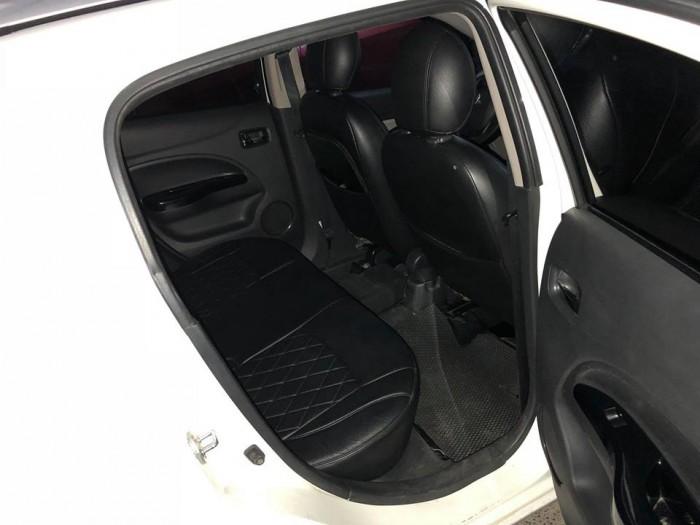Cần bán xe Mitsubishi Mirage 2014 số tự động màu trắng