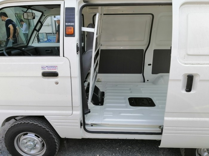 Suzuki Blind Van tải trọng 580kg tại Cần Thơ 8