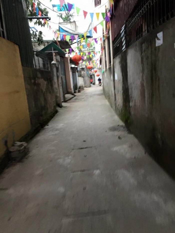 Bán nhanh đất Phố Trạm, Long Biên