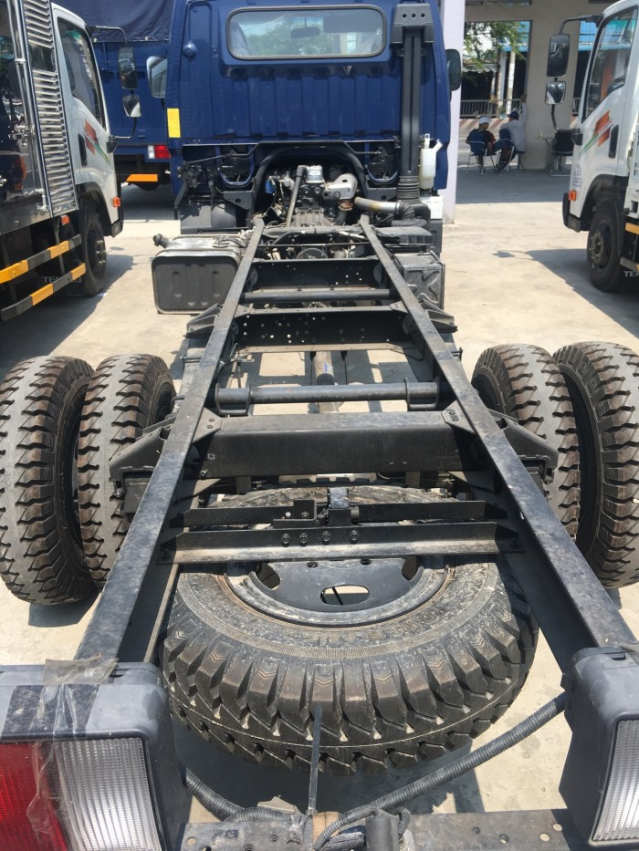 Xe tải Iz49 Đô Thành thùng mui bạt tải trọng 2,4 tấn, thùng dài 4m2, hỗ trợ trả góp đến 85%, lãi suất thấp