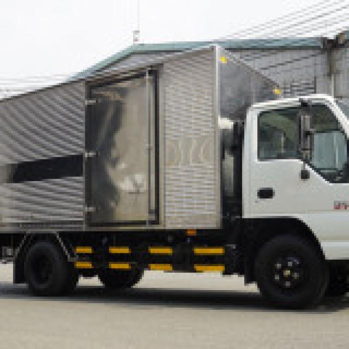 Xe tải ISUZU 2.9 tấn thùng kín dài 4m3 đời 2019