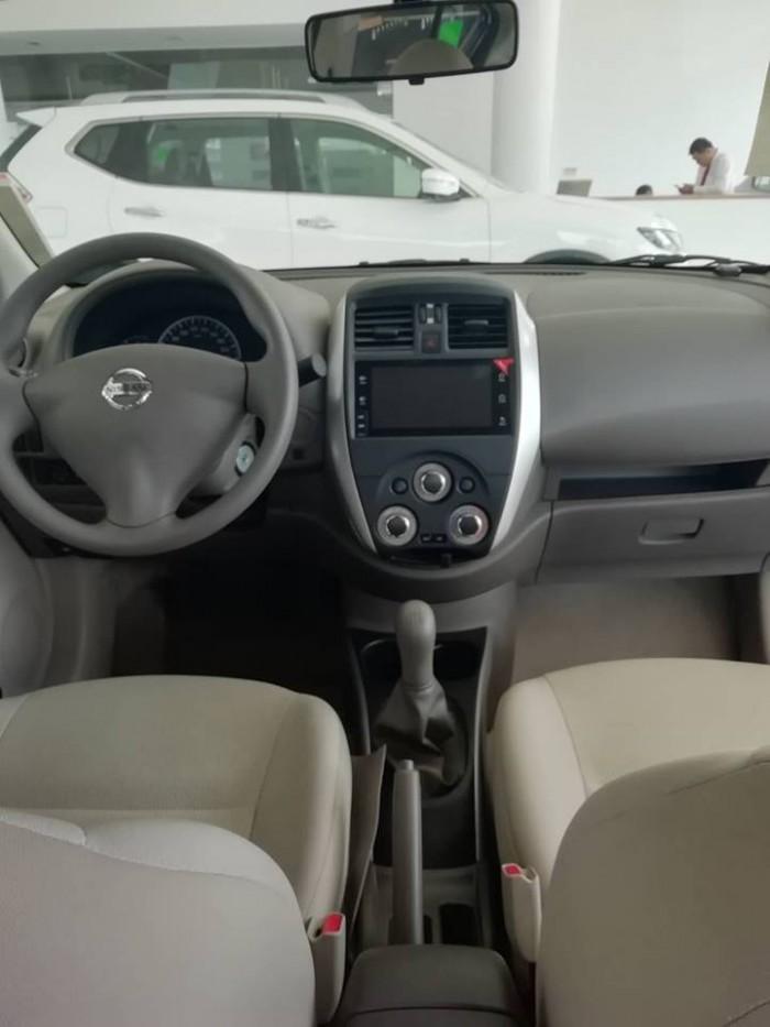 Nissan sunny giá cực sốc 4