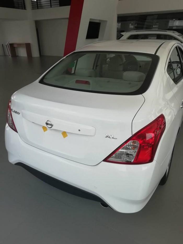 Nissan sunny giá cực sốc 3