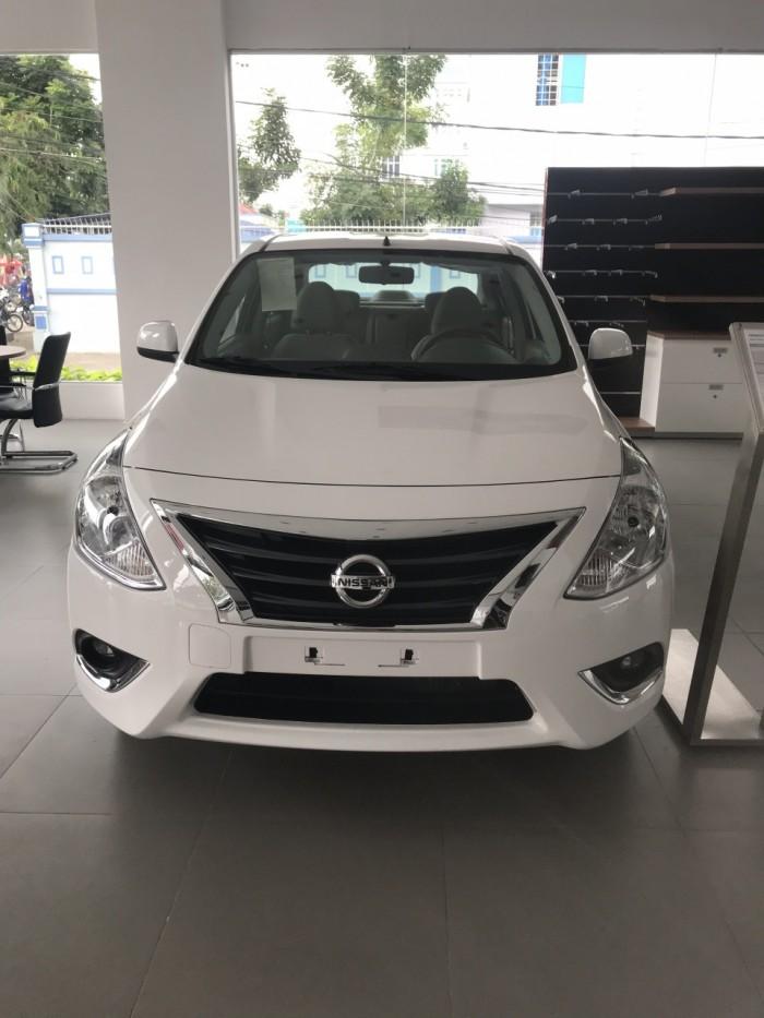 Nissan sunny giá cực sốc 1