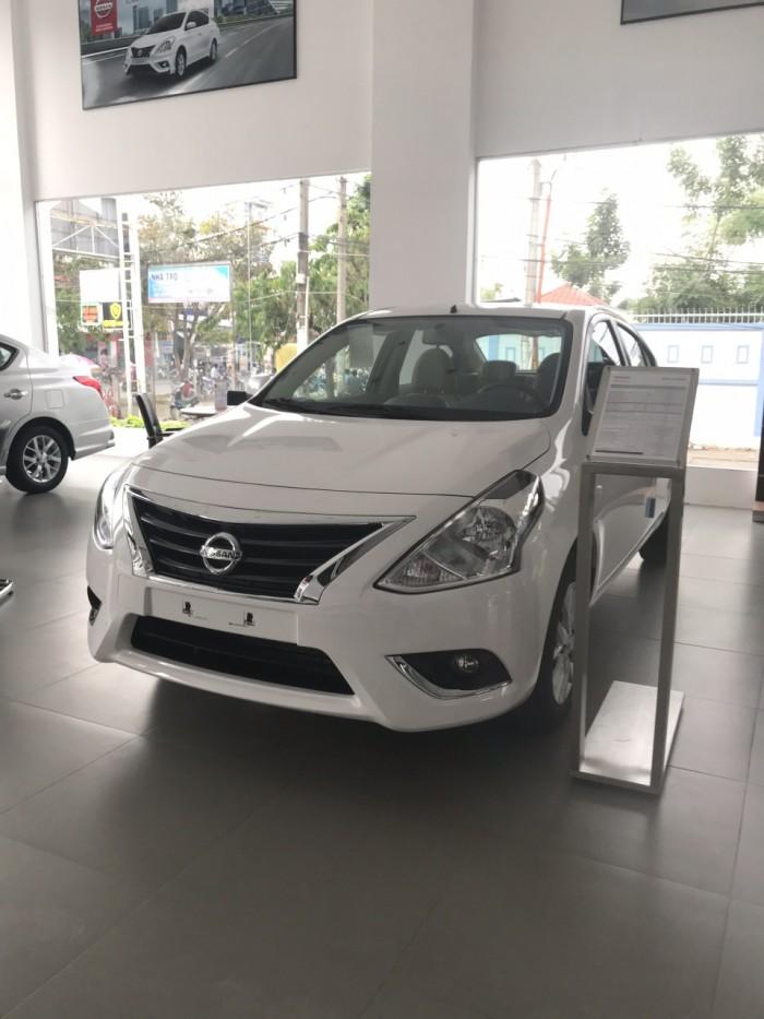 Nissan sunny giá cực sốc 2