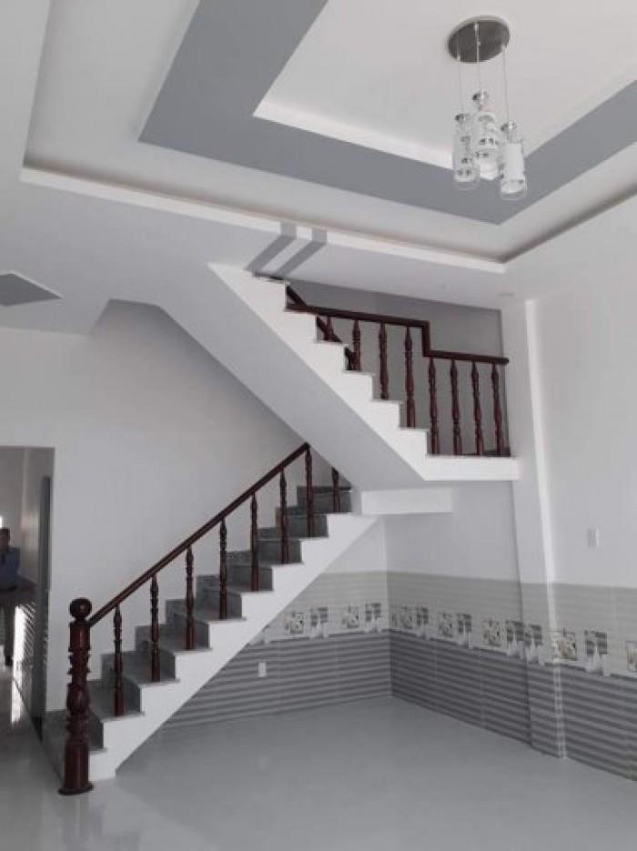 Bán nhà chính chủ sổ hồng riêng 1 trệt 2 lầu Bình Chánh giá 2 tỷ 2