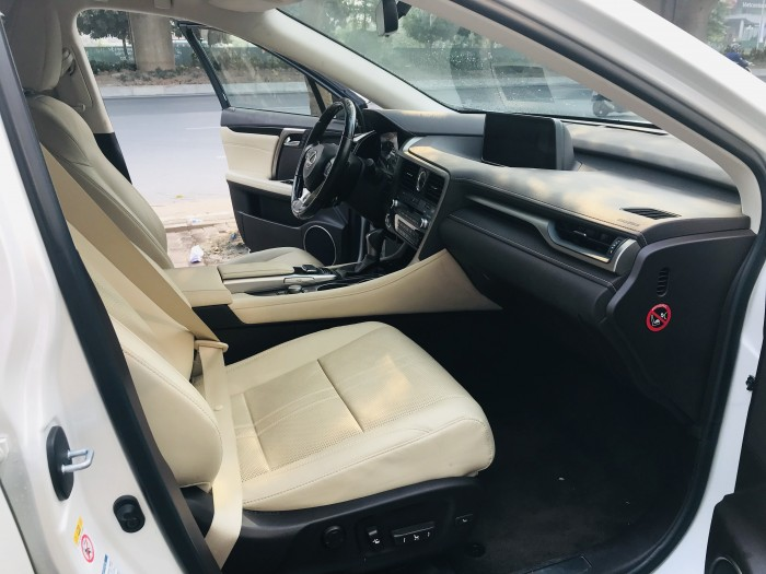 Bán Lexus RX350 sản xuất và đky tháng 12/2017,lăn bánh 2,1 vạn Km,hóa đơn VAT 3,5ty.