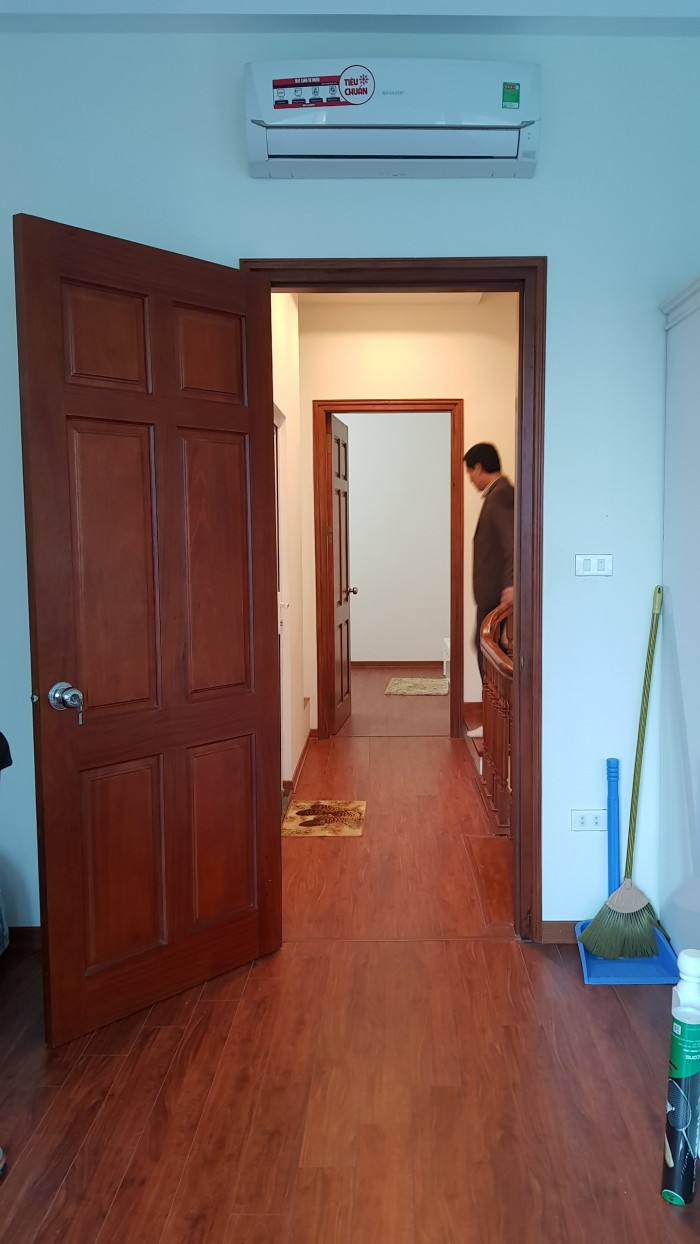 Gia đình cần bán căn trọ gấp, văn quán Hà Đông(58m2*5T),giá 4.2, có 9 phòng, vị trí đẹp.