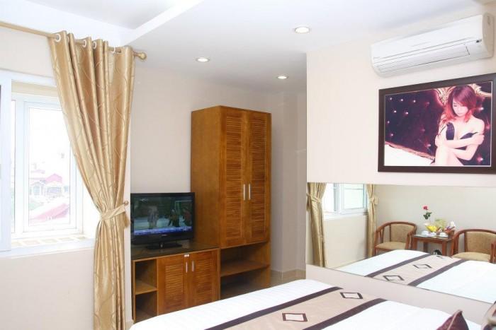 Bán Khách Sạn 3 Sao + Đường Nguyễn Chánh – DT 200m2 x 8 Tầng – 36 Phòng.