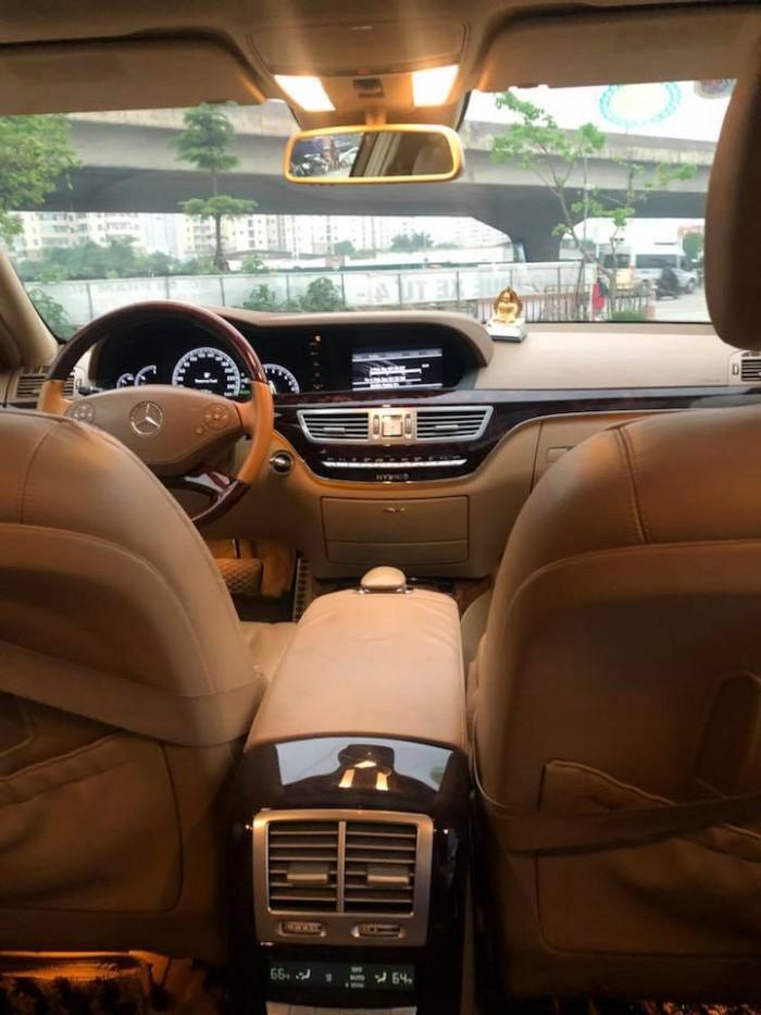 Cần tiền bán gấp S400, sx 2010 hybrid, nhập Đức, tự động, máy xăng, màu trắng ngọc trinh