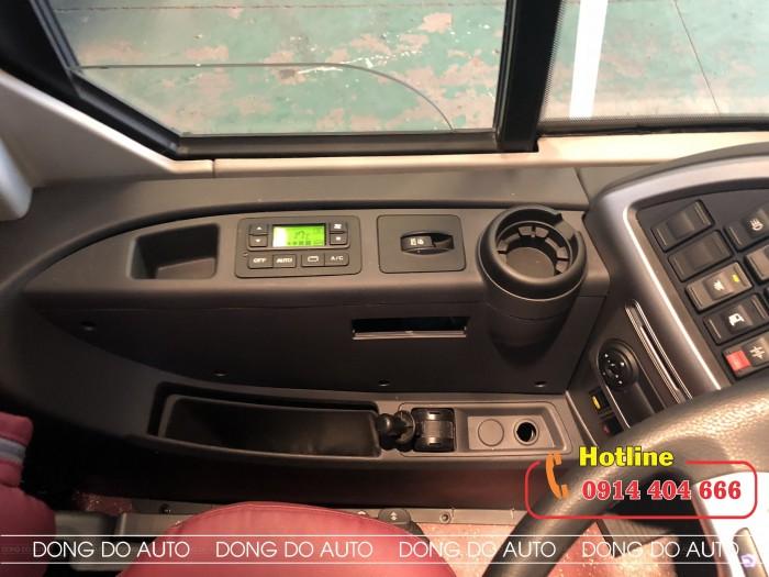 Xe Universe 47 chổ máy Hyundai 380 đời 2019