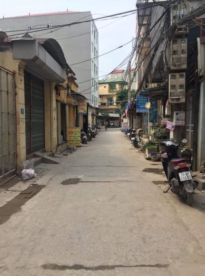 Đất phố Trạm, Long Biên ô tô đỗ ngay cạnh nhà