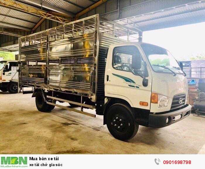 Xe tải chở gia súc 3