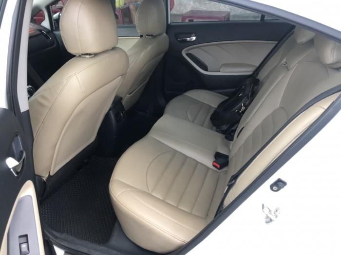 Bán Kia Cerato 1.6MT màu trắng số sàn bản đủ sản xuất 2017 đi 32000km