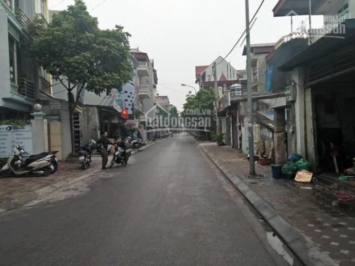 Chính chủ cho thuê nhà 3 tẫng 42m2, số 16 ngõ 95/35 Vũ Xuân Thiều, Long Biên