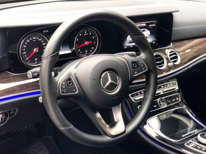 Xe lướt - Mercedes E250 2018 cũ màu Đen chính chủ giá tốt 4