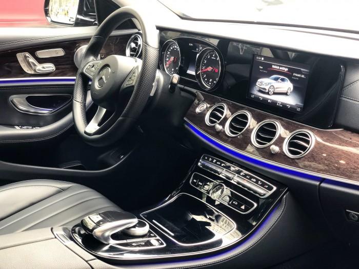 Xe lướt - Mercedes E250 2018 cũ màu Đen chính chủ giá tốt 3