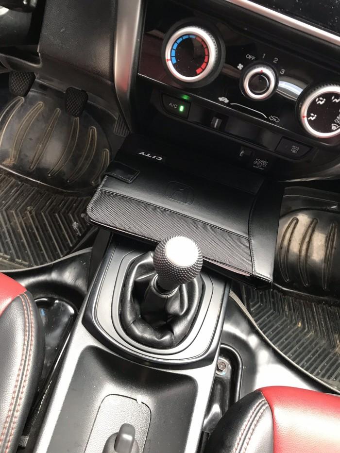 Bán Honda City 1.5MT màu trắng số sàn sản xuất 2016 đi 28000km rất mới