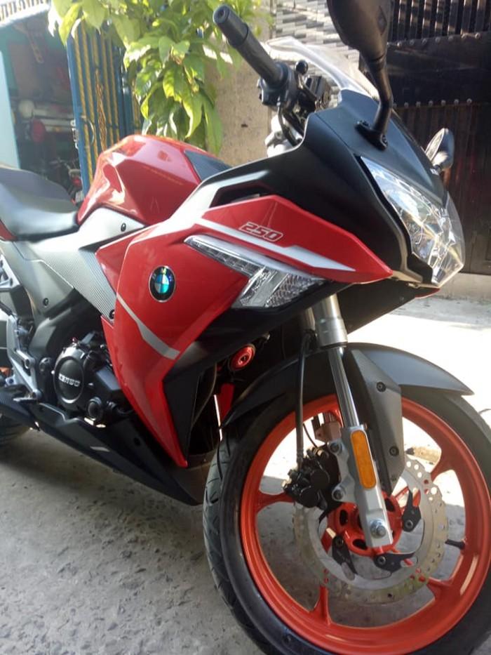 Moto kengo 250c phân khối lớn giá rẻ chính chủ mới 95% nguyên zin 2k18 xe mới đi 5000km máy êm