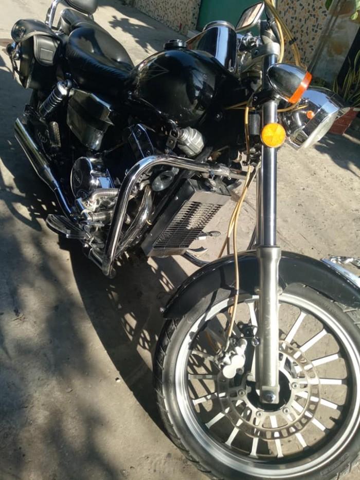 Cần bán lại xe moto rebell usa nhập khẩu từ mỹ..350cc.đời 2010.mới 95% màu đen nanô. dán keo
