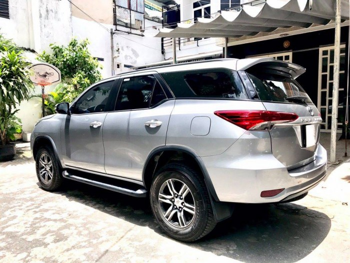 Bán Toyota Fortuner Bạc máy dầu 2017 số sàn nhập Indonesia. 4