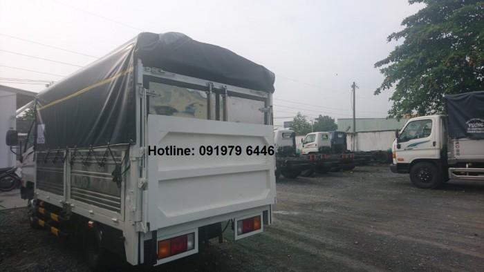 Xe tải Hyundai 2.2T thùng bạt, bửng nâng