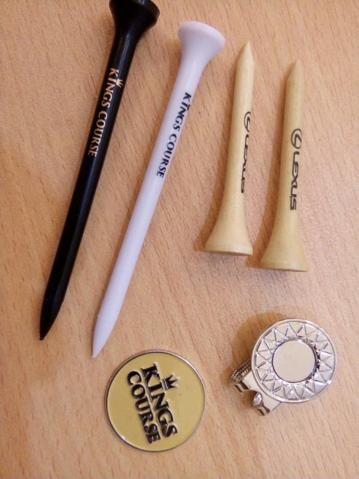 Khắc logo công ty lên tee marker làm quà tặng4