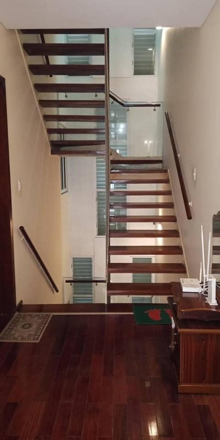 Nhà đẹp Phân Lô - Ô TÔ vào nhà, DT 60m2 phố Hoàng Mai