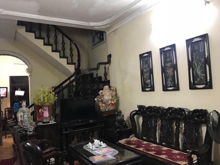 Bán nhà 5 tầng ngõ 298 Ngọc Lâm gần chung cư One 18.DT 50m2, giá 3.9 tỷ