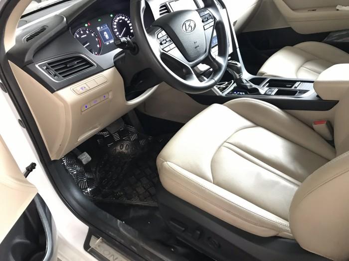 Bán Hyundai Sonata 2.0AT màu trắng số tự động nhập Hàn Quốc 2015 biển Sài Gòn mẫu mới