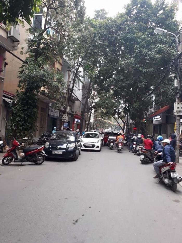 Bán nhà phố gần Văn Miếu kinh doanh ôto đỗ cửa