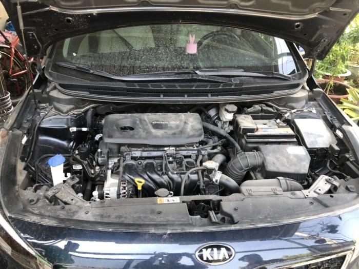 Bán Kia Cerato 1.6AT màu xanh đen số tự động sản xuất 2017 biển Sài Gòn đi 7800km
