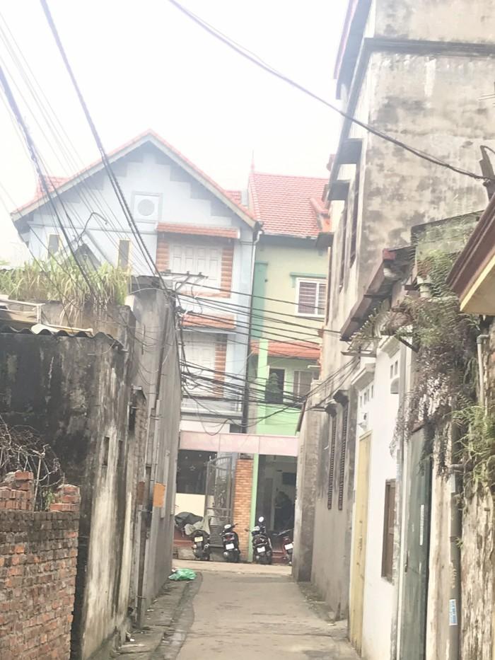 Hot!!! Bán đất Cửu Việt Giá rẻ, nở hậu, vị trí cực đẹp
