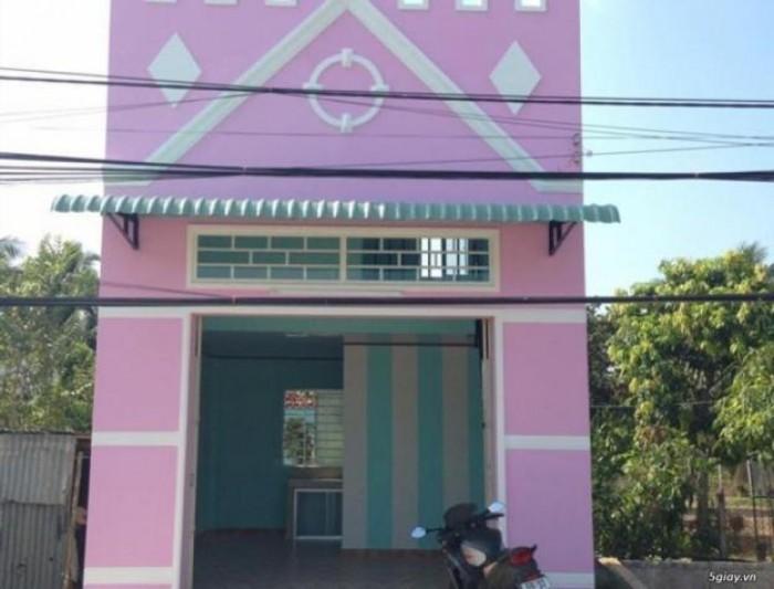 Mình cần bán nhà 1 căn nhà cách chợ Rạch Kiến 100m