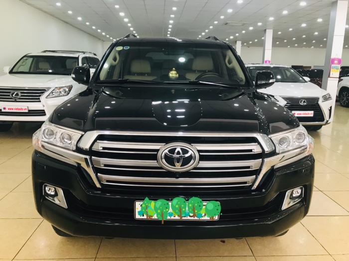 Bán Toyota Land Cruise 4.6 màu đen,sản xuất và đăng ký 2016,tên cty ,có hóa đơn VAT ,giá cực rẻ .