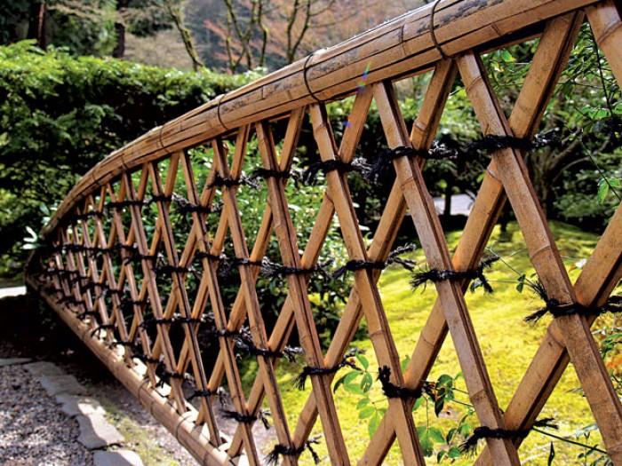 Thi công hàng rào bằng tre trúc Lên hệ Mr Năm: 0912 988 057 2