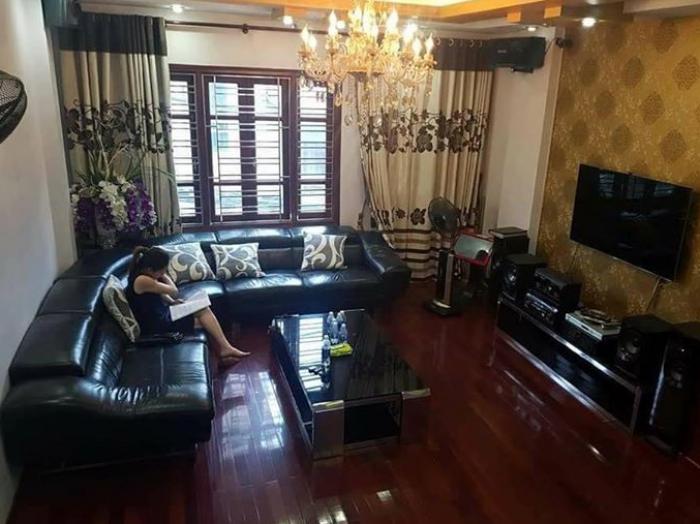Bán nhà có gara Hà Nội giá 6.1 tỷ, phố Tôn Đức Thắng (5 tầng)