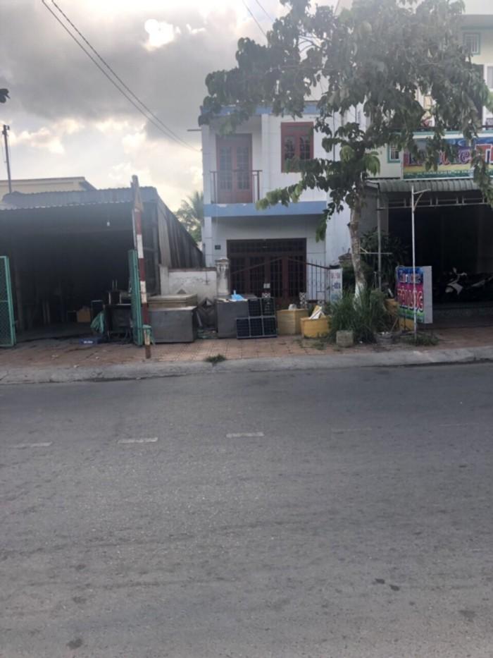 Bán nhà mặt tiền đường Trần Chiên cách đại học Tây Đô 200m
